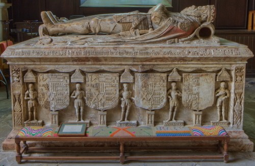 Earl of Huntingdon alabaster tomb who died in 1561 in the Hastings chapel.